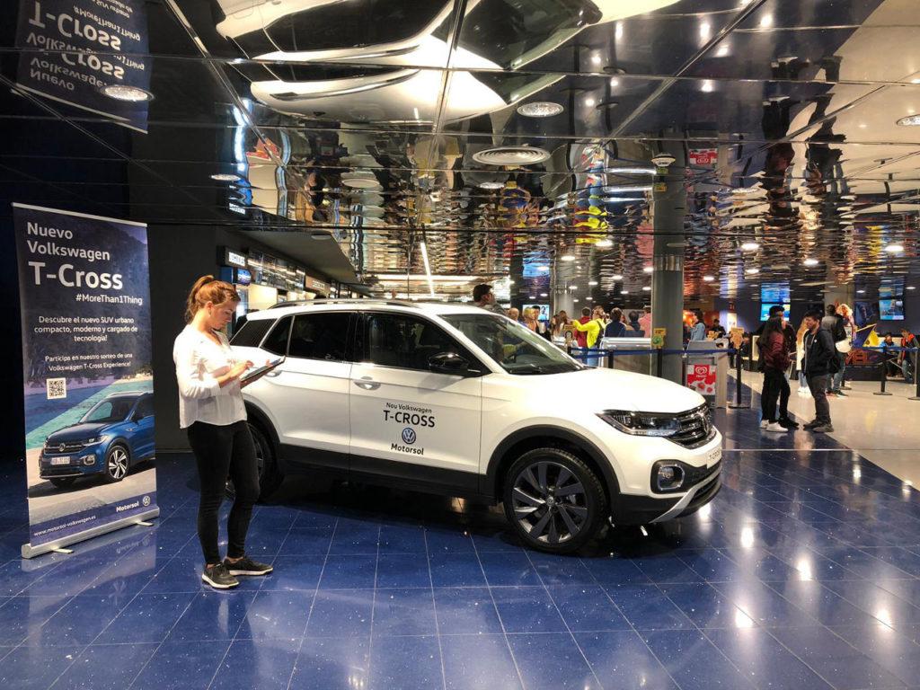 Un coche de película: el Volkswagen T-Cross en Cinesa